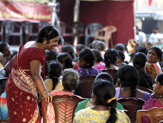 Kokilavany, candidate du Front national du peuple tamoul, en campagne à Killinochi, au Sri Lanka, le 13août.