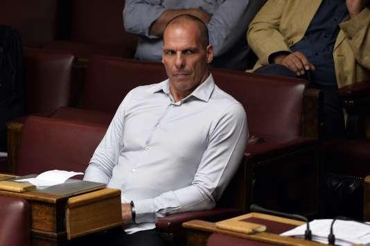 L'ex-ministre grec des finances, Yanis  Varoufakis lors d'une session à la Vouli, le 14 août.