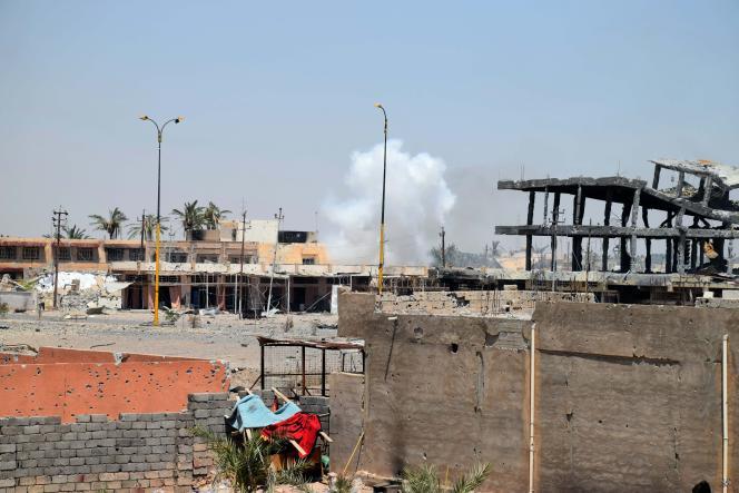 A Ramadi, dans la province irakienne d'Anbar, après une frappe de la coalition internationale contre l'Etat islamique, le 15 août 2015.