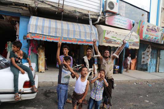 Des militants anti-chiites, le 16 août à Taëz.