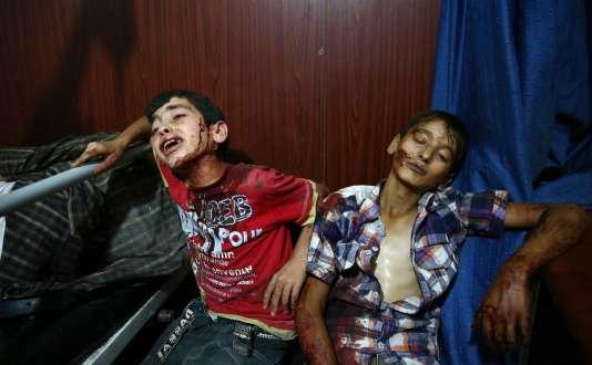 Après le bombardement d'un marché à Douma, le 16 août.