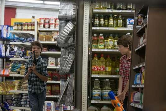 "Dartanian Sloan et Robert Sloan dans le film américain de Ciaran Foy, ""Sinister 2""."