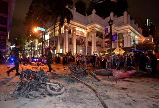 Selon un porte-parole de la police, « la bombe visait à tuer le plus de personnes possible, puisque [l'endroit] est bondé aux alentours de 18 et 19 heures ».