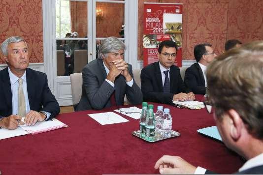 Le ministre de l'agriculture, Stéphane Le Foll, a réuni les représentants du marché du porc de Plérin, lundi à Paris.