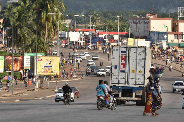 Une rue du centre-ville de Yamoussoukro, en novembre 2014.