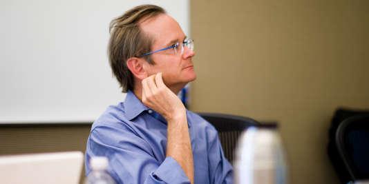 Lawrence Lessig, un des principaux penseurs d'Internet, défend depuis plusieurs années une réforme profonde de la démocratie américaine.
