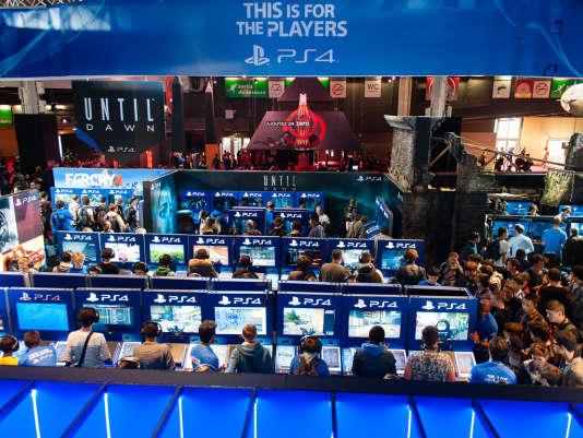 Le stand Sony à la Paris Games Week 2014. Cette année, le constructeur tiendra une conférence internationale, pour la première fois de l'histoire du jeune Salon parisien.