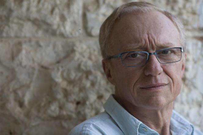 Dans « Un cheval entre dans un bar », un comédien de stand-up déballe sa vie sur scène. L'écrivain israélien David Grossman (photo) signe un déchirant roman du deuil et de l'inconsolable.