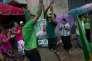 Des partisans  du président Sirinesa fêtent leur victoire aux élections législatives, le 17 août ,à Colombo.