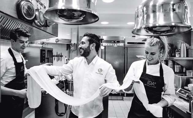 L'équipe du restaurant Ida, dans le 15e arrondissement.