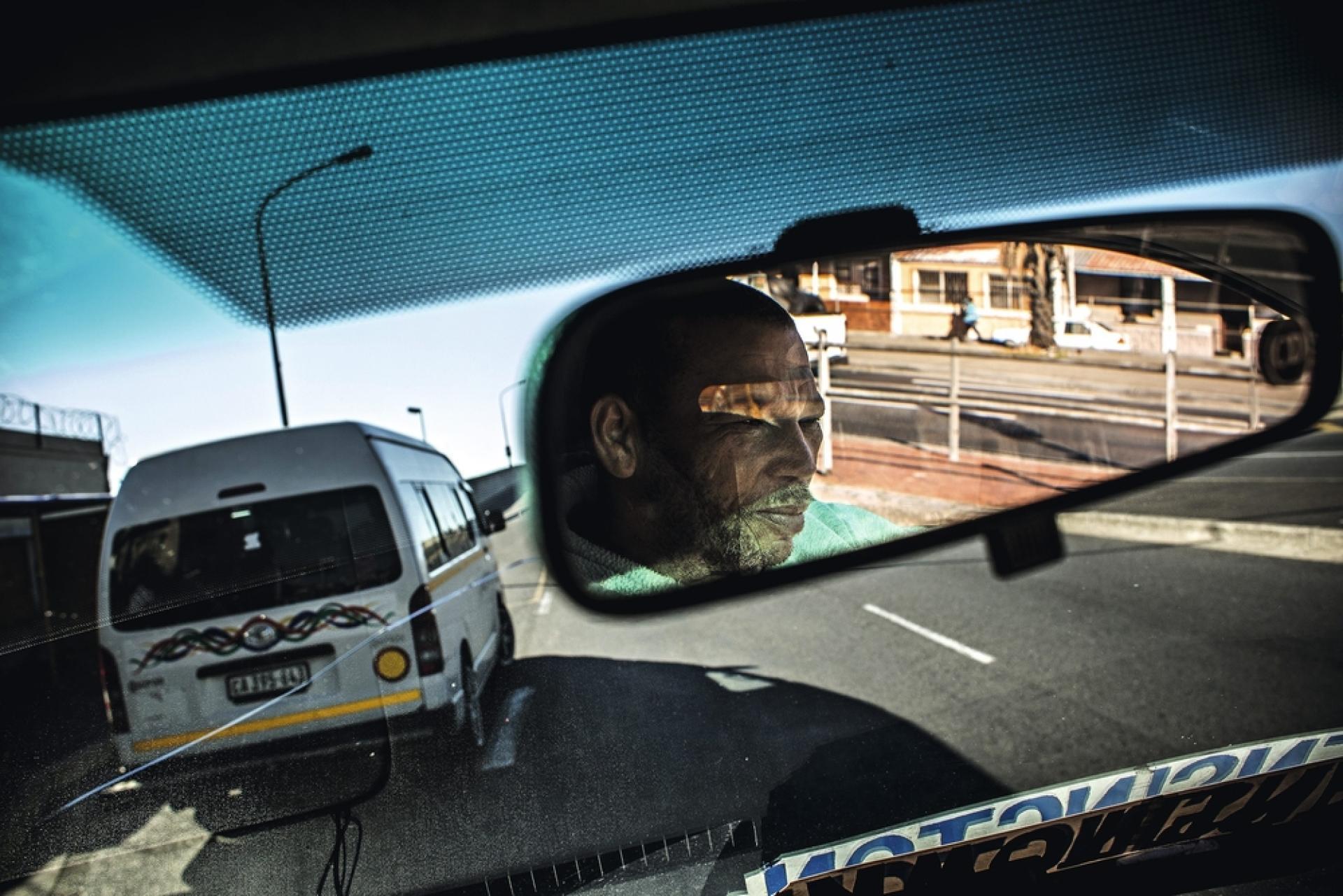 Louie Romario, du quartier de Kensington, est chauffeur depuis 1984. Il dit aimer son travail car il a le sentiment de «rendre service».