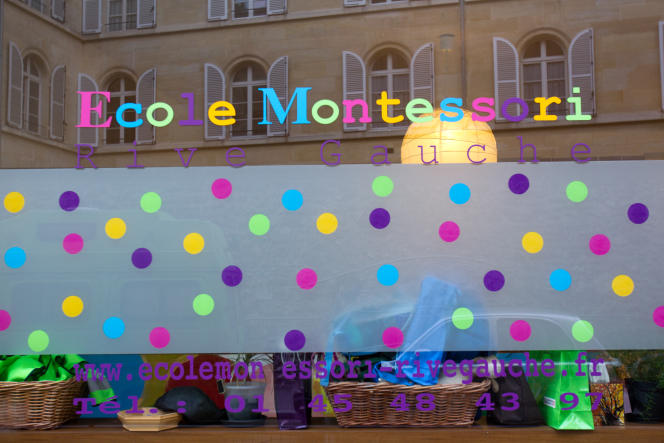 La façade d'une école Montessori le 27 janvier 2011, à Paris.