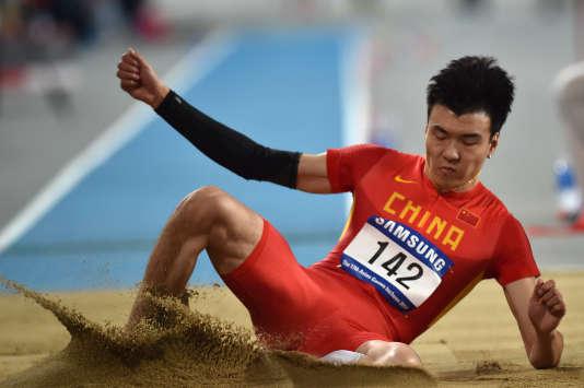 Li Jinzhe est un sauteur en longueur prometteur pour l'athlétisme chinois.