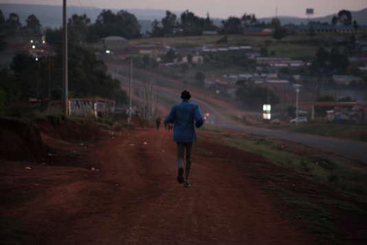 Entraînement au petit matin à Iten (Kenya).