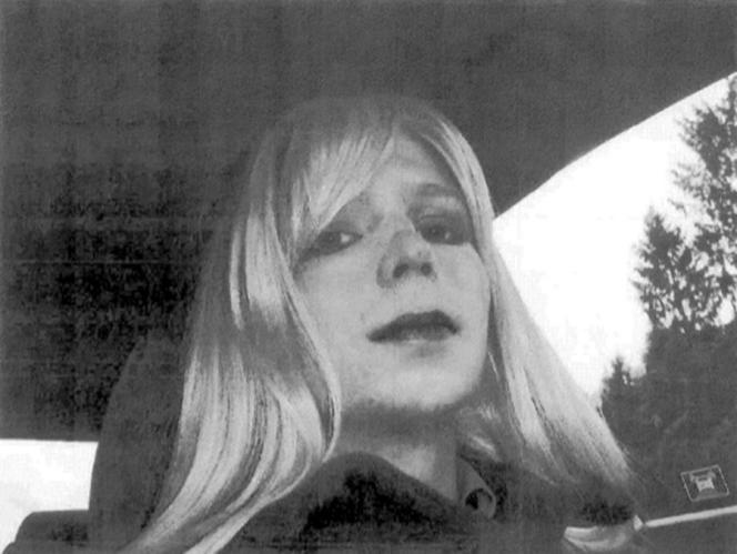 Chelsea Manning, née Bradley Manning, était analyste militaire dans l'armée américaine.