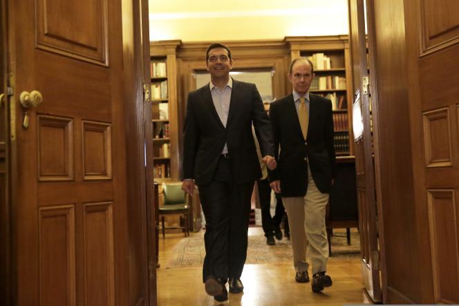 Le premier ministre grec, Alexis Tsipras, a présenté sa démission au président Prokopis Pavlopoulos à Athènes, le jeudi 20 août.