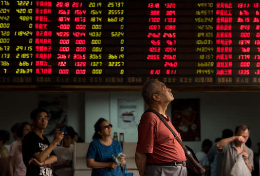 La Bourse de Shanghai a clôturé sur une chute de plus de 4,27 %, vendredi 21 août.