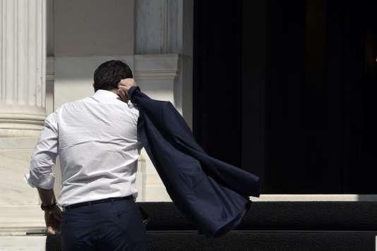 Le premier ministre grec Alexis Tsipras a annoncé le 20 août sa démission et la convocation de nouvelles élections législatives .