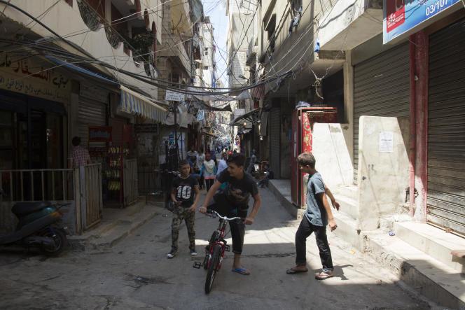 Dans une rue du camp de Chatila (banlieue de Beyrouth), le 13 août.