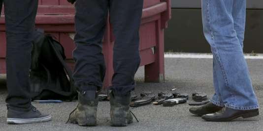 Un fusil d'assaut kalachnikov, un pistolet automatique et neuf chargeurs : l'arsenal découvert sur l'attaquant du Thalys Amsterdam Paris vendredi 21 août.