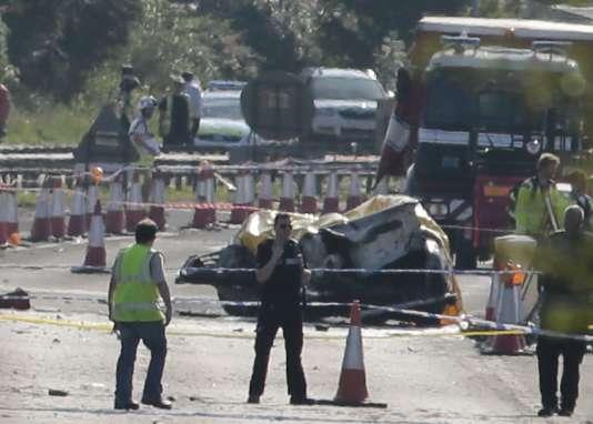 Sur l'autoroute A27  où s'est écrasé un avion lors d'un meeting aérien, samedi 22 août.