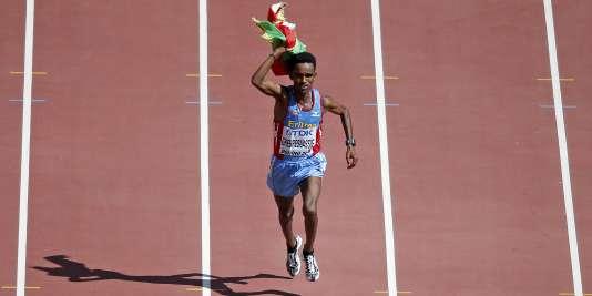 L'Erythréen Ghirmay Ghebreslassie est devenu à 19 ans le plus jeune champion du monde du marathon.