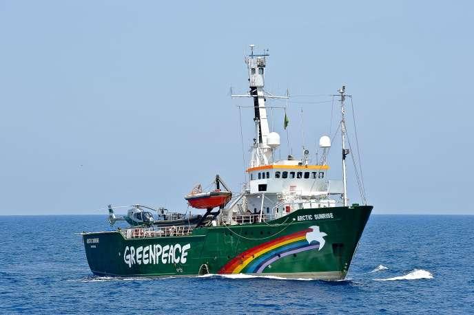 Les 30 membres d'équipage de l'« Arctic Sunrise » avaient été arrêtés par la Russie en septembre 2013.