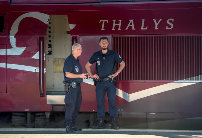 En gare d'Arras, le 22 août. Le secrétaire d'Etat aux transports, Alain Vidalies, assure que la sécurité dans les gares et les trains sera renforcée.