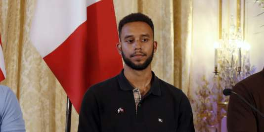 Anthony Sadler, étudiant à l'université de Sacramento, le 23 août lors d'une conférence de presse à Paris.