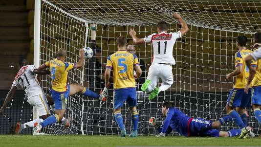 Echiejile a marqué le but de la victoire, peu après son entrée sur le terrain, à la 75 e minute.