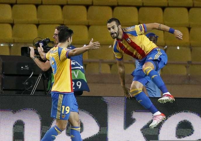 Le joueur de Valence, Alvaro Negredo après son but.