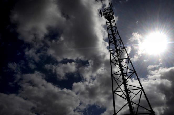 Une antenne-relais à Sizun, dans le Finistère, en 2009.