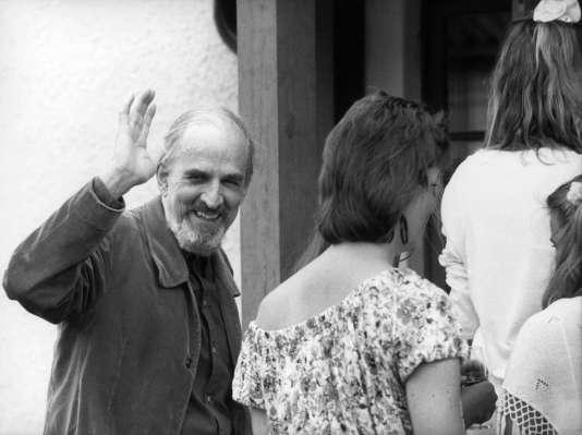 Le 14 juillet 1988, Ingmar Bergman fête son soixante-dixième anniversaire dans sa maison de l'île de Faro en mer Baltique.