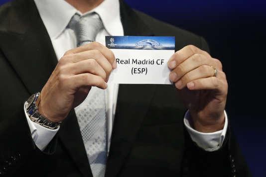 L'Argentin Javier Zanetti a offert le Real Madrid au Paris Saint-Germain lors du tirage au sort de la phase de groupes de la Ligue des Champions, à Monaco
