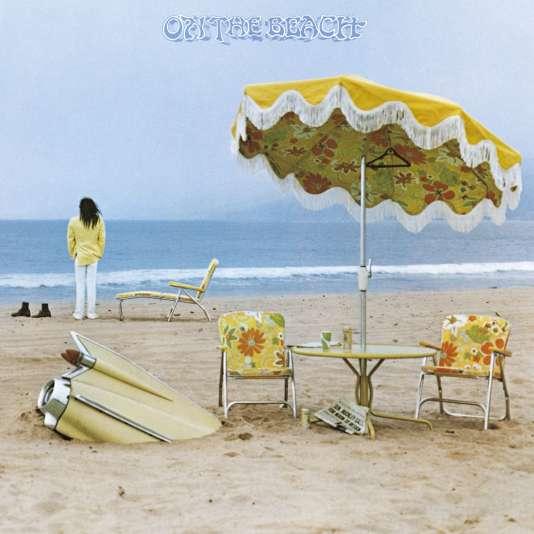 """1974 : la pochette de """"On The Beach"""", de Neil Young (1974), avec l'aileron arrière d'une Cadillac…"""