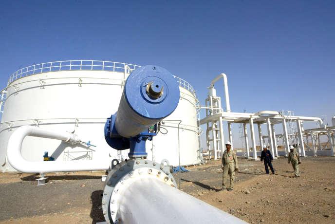 Un puits de pétrole à Khurmala, à 10 kilomètres d'Erbil, dans le Kurdistan irakien, en 2009.