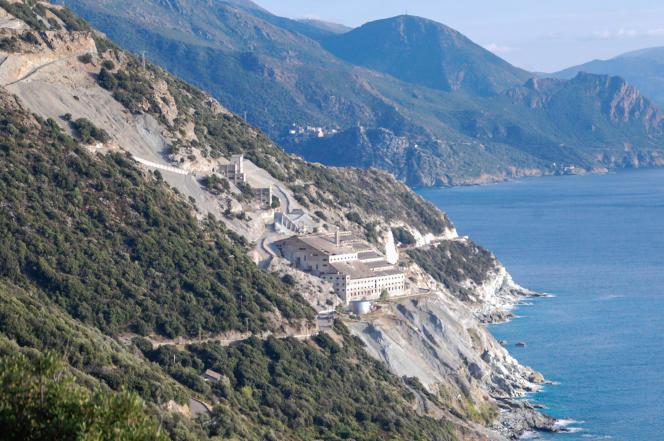 L'usine d'amiante de Canari, au Cap Corse, en 2015.