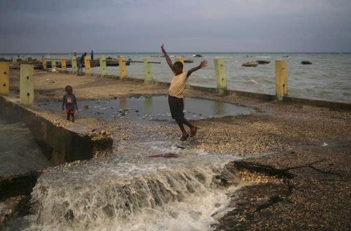 A Port-au-Prince, capitale d'Haïti, lors du passage de la tempête Erika, le 28 août 2015.