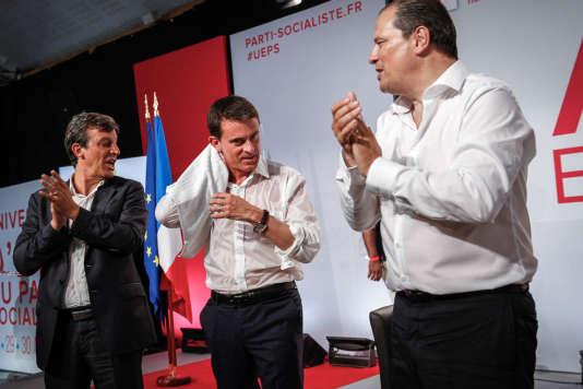 Manuel Valls, premier ministre, prononce son discours lors de la clôture du l'Université d'été du Parti socialiste à La Rochelle, dimanche 30 août.