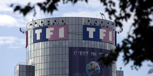 TF1 a obtenu le droit de couper ses journaux télévisés avec de la publicité, le 19 juillet 2017.