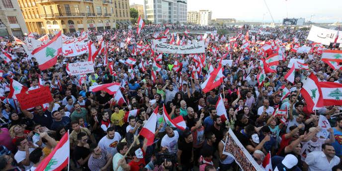 Des manifestants dans les rues de Beyrouth, le 29 août.