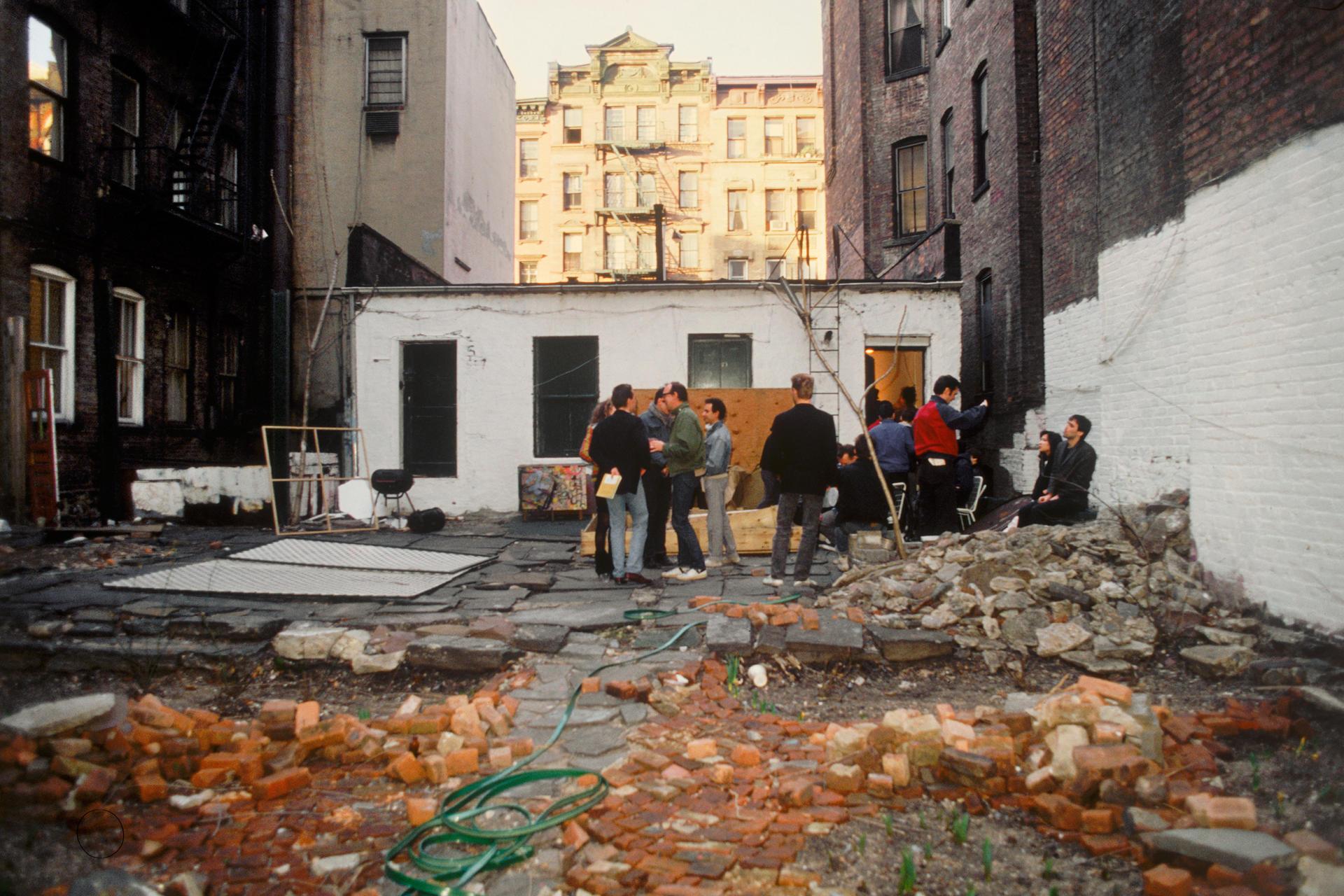 L'arrière de la Fun Gallery, dans le Lower East Side, à New York.