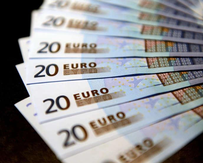 «Mieux vaut éviter de clôturer un PEE pour réinvestir en assurance-vie: les plus-values subissent les prélèvements sociaux à la clôture du plan, et le salarié serait de nouveau bloqué pour optimiser sa fiscalité en assurance-vie».