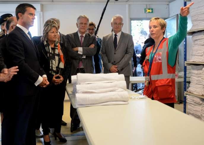 « L'idée, c'est que le campement puisse ouvrir au début de l'année 2016 », a précisé Manuel Valls à Calais.