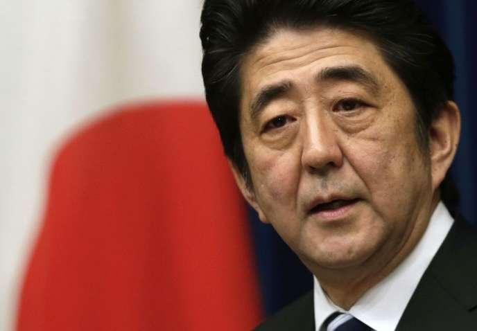 Shinzo Abe, le premier ministre nippon, déterminé à faire passer sa loi sur la sécurité nationale, se heurte à une vive opposition.