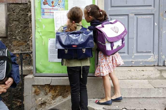 Des écolières de l'école Jules Ferry à Fontenay-sous-Bois le 1 septembre 2015.