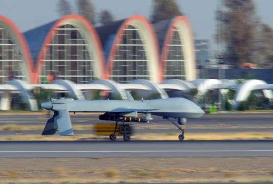 L'administration Obama veut recentrer la CIA sur ses activités de renseignement, au détriment de ses activités paramilitaires comme les éliminations par drone. Mais la CIA opère toujours elle-même ce type de frappes dans d'autres pays, notamment au Yémen et au Pakistan.