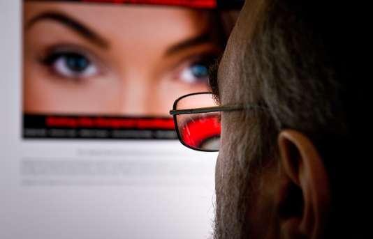 20 millions d'hommes auraient été contactés par des « robots », selon le site Gizmodo.