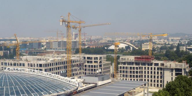 A 383 100 dossiers, le nombre de permis de construire a progressé de 2% en 2015.