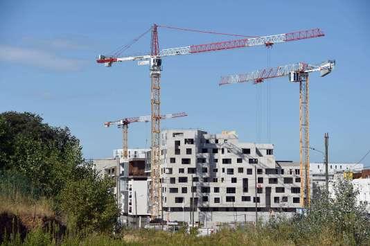 « L'ingrédient qui manque à la reprise française par rapport [aux pays voisins], c'est l'investissement dans le secteur de la construction », souligne l'Insee.